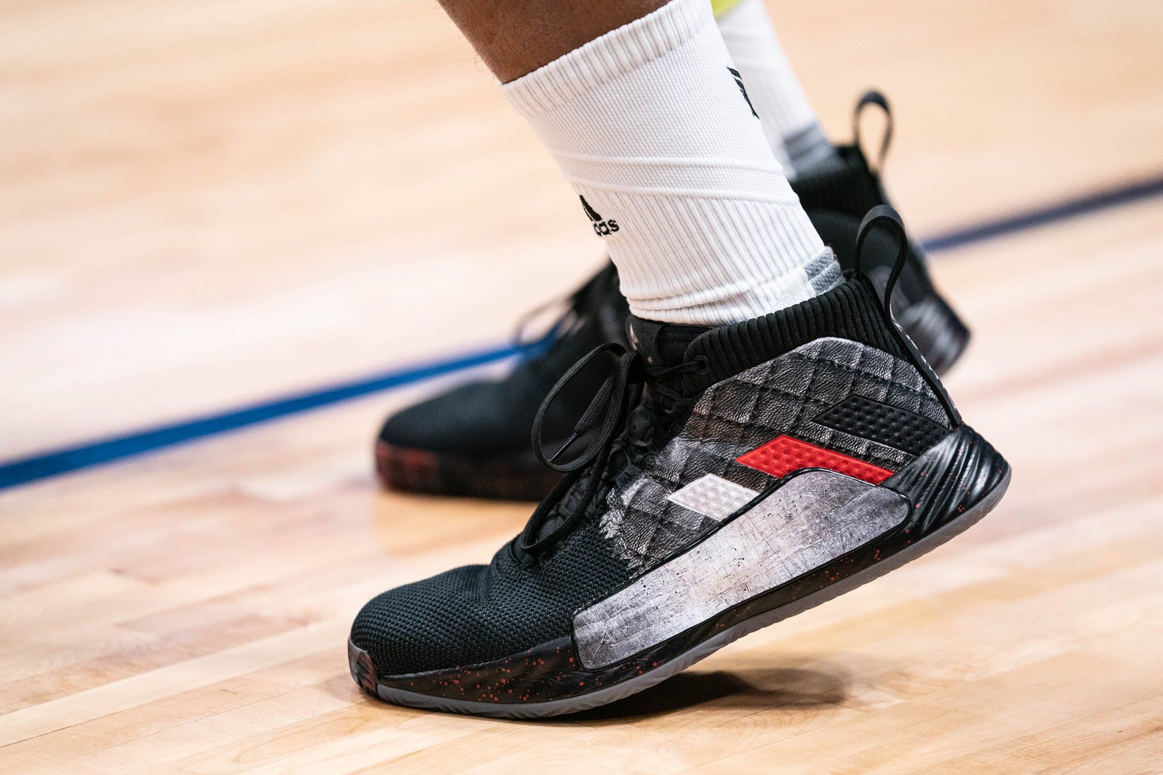 c2ef924a5c33 Photos » Custom Bleacher Report  Dame Of Thrones  Adidas Dame 5s ...