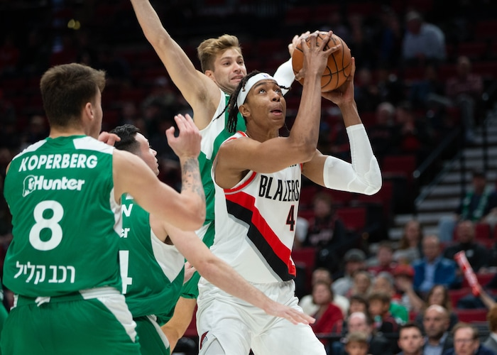 Trail Blazers Convert Moses Brown To Two-Way Contract