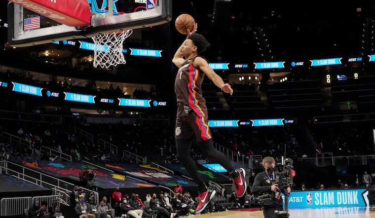 Simons Overcomes Nerves, Shock To Win Dunk Contest