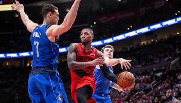 HIGHLIGHTS » Dame Does it Again Against Dallas