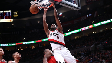 VIDEO » Harkless Holds Dunk Competition vs. Raptors