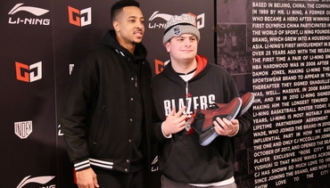 Photos » CJ McCollum's Pop-Up Shop