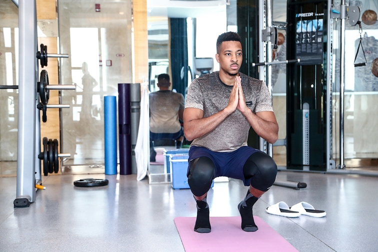 PHOTOS » CJ McCollum Works Out In China