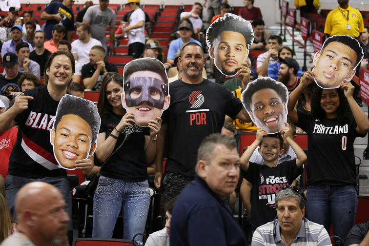 PHOTOS » Blazers Fans At Summer League