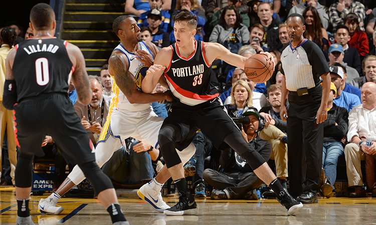 Lillard outguns Durant as Blazers overcome Warriors