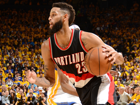 Trail Blazers Trade Crabbe To Brooklyn For Nicholson