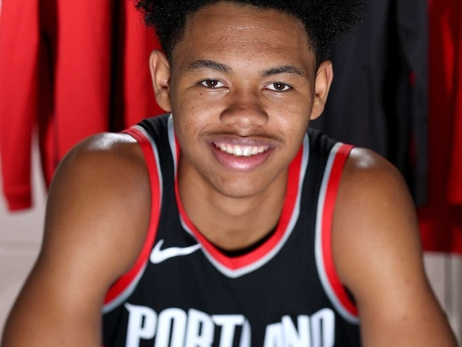 PHOTOS » Anfernee Simons Rookie Photo Shoot