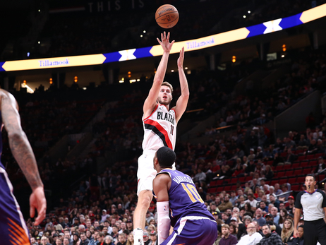 Blazers Blow Out Suns Behind Big Night From Layman
