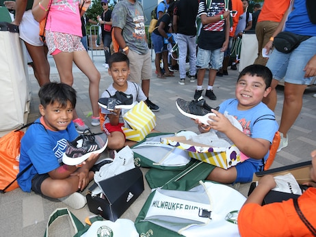 "Bucks Host ""Back 2 School Bash"" For Students"