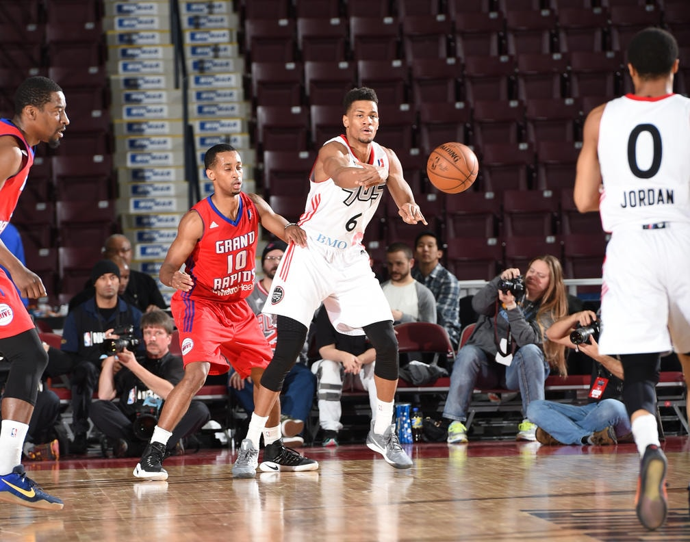 Bucks Sign Axel Toupane to a 10-Day Contract
