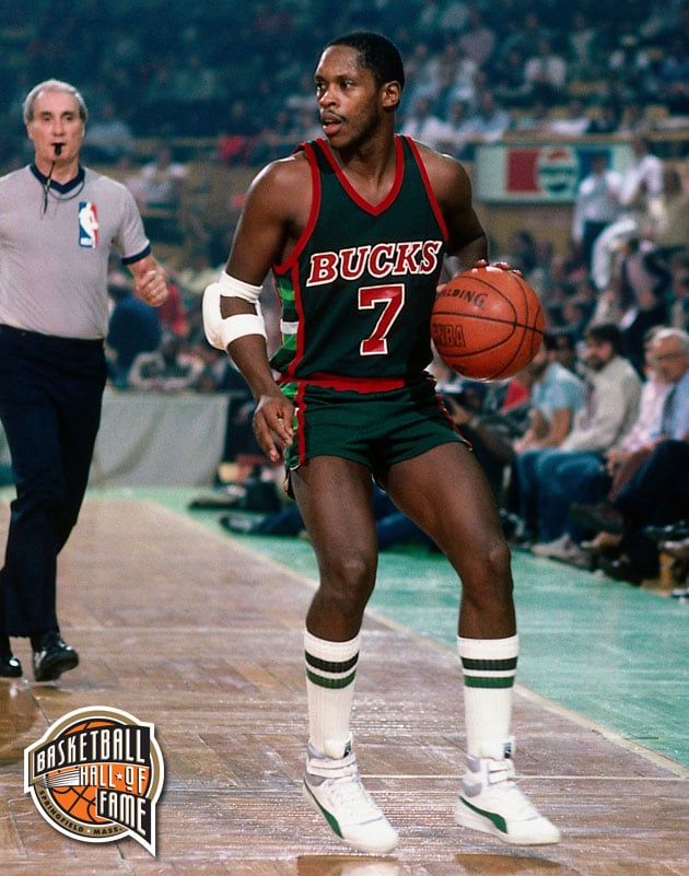 Bucks Hall of Fame List | Milwaukee Bucks
