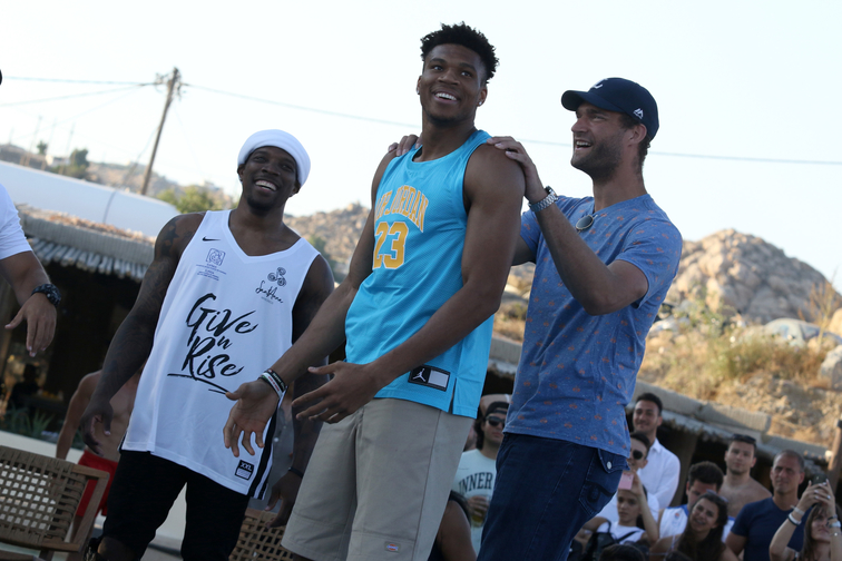 Bledsoe & Lopez Join Giannis For Charity Event In Greece