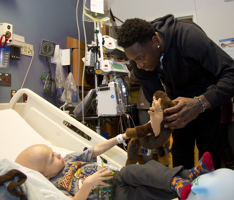 The Milwaukee Bucks visit children at Children's Hospital