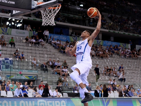 Giannis Antetokounmpo Leads Greece Over Iran
