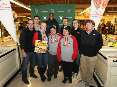 Khris Middleton, Bucks & Palermo's Pizza Celbrate '2 For 2' Promotion