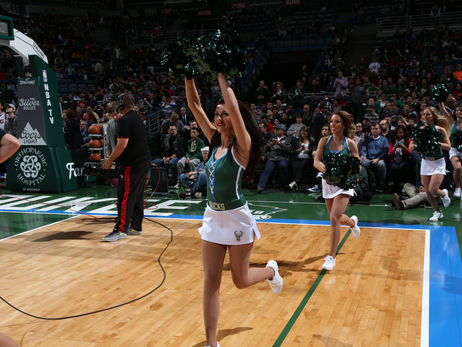 Dancers - Bucks vs Cavaliers - 11/14/15