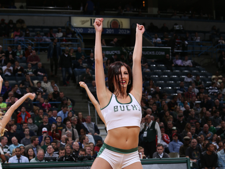 Dancers - Bucks vs Pistons - 11/23/15