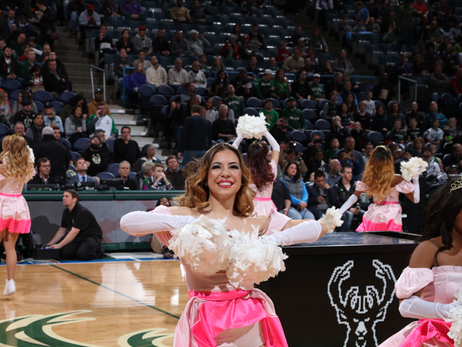Dancers - Bucks vs Hawks - 12/9/16