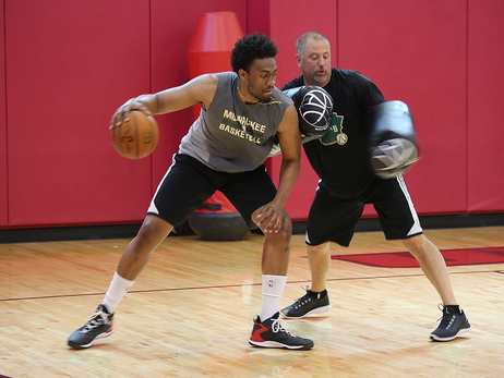 Jabari Parker Works Out in Vegas