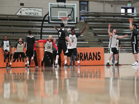Bucks Shoot Around at Beverly Hills High School