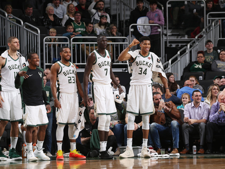 PHOTO RECAP: Bucks 115 - Pistons 92 | 12.05.18