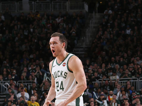 2018-19 Yearbook: Pat Connaughton