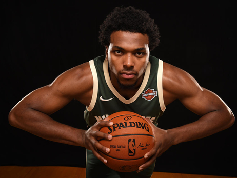 Bucks Assign Sterling Brown To The Wisconsin Herd