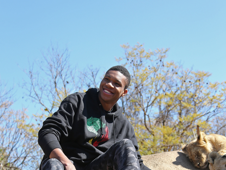 Giannis Antetokounmpo Visits the South Africa Lion Park