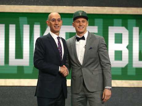 Milwaukee Bucks Select Donte DiVincenzo with 17th Pick in 2018 NBA Draft