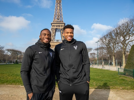 In Photos: Team Photoshoot at The Eiffel Tower