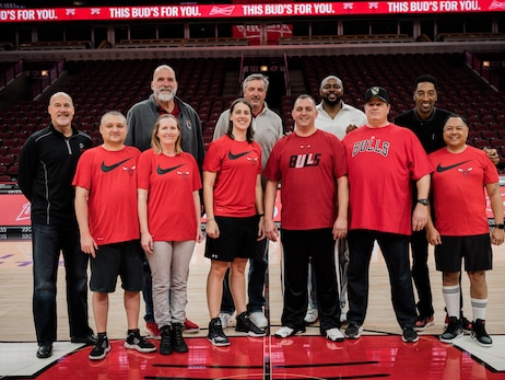 PHOTO GALLERY: Bulls and Budweiser Team Up to Surprise Veterans with Exclusive Bulls Experience