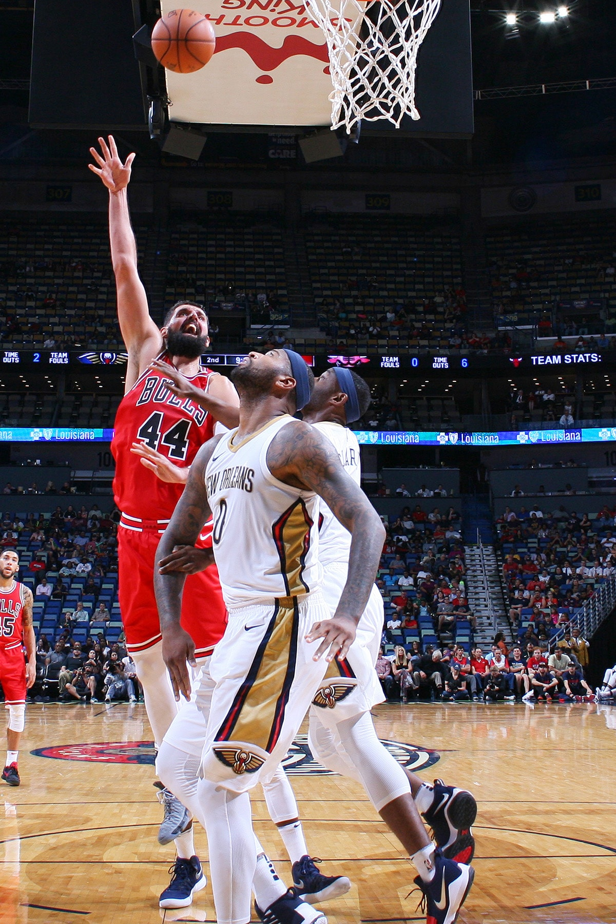 Nikola Mirotic #44 of the Chicago Bulls shoots the ball during a preseason game against the New Orleans Pelicans on October 3, 2017 at the Smoothie King Center in New Orleans, Louisiana.