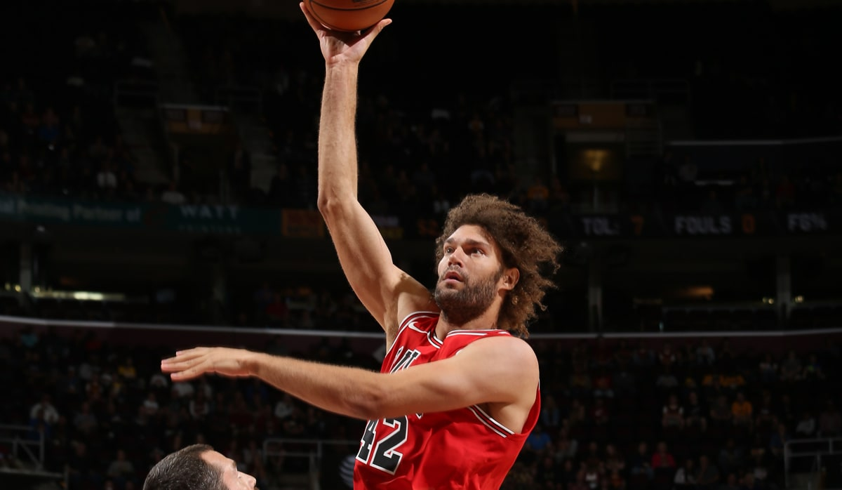 Robin Lopez hook shot against Cleveland