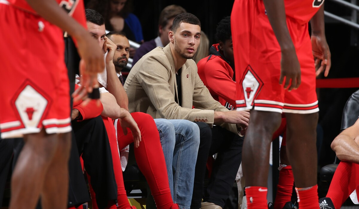 Zach LaVine #8 of the Chicago Bulls looks on during the game against the Indiana Pacers on November 10, 2017 at the United Center in Chicago, Illinois