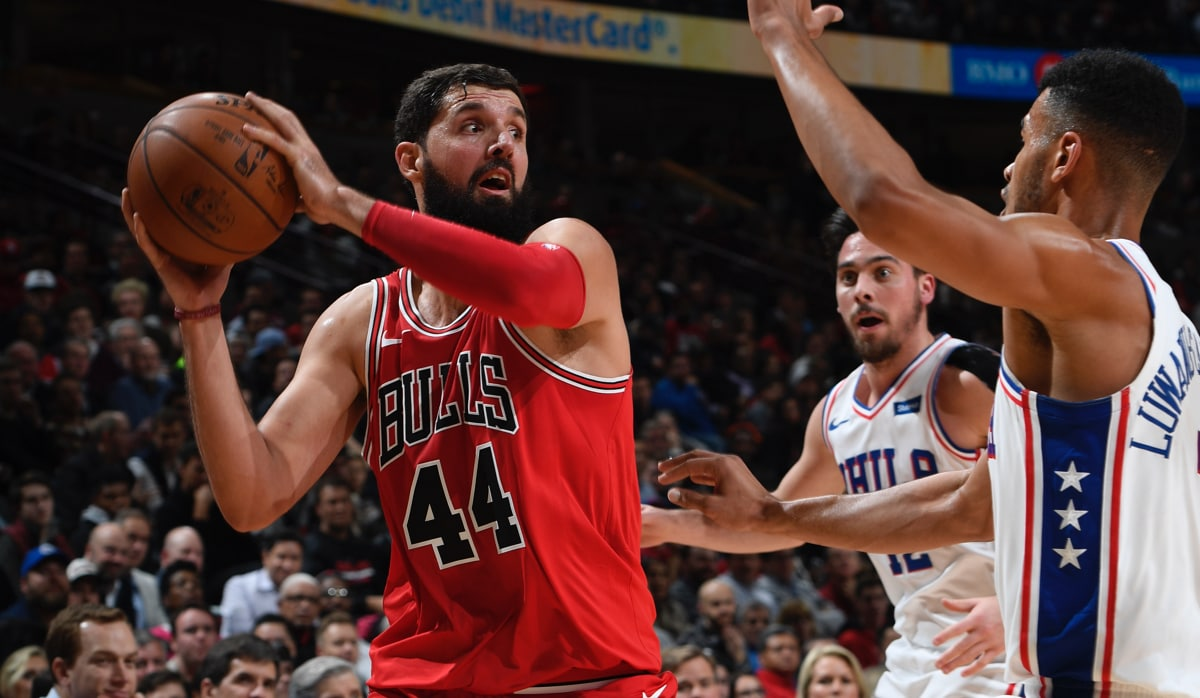 Nikola Mirotic makes his move against the 76ers
