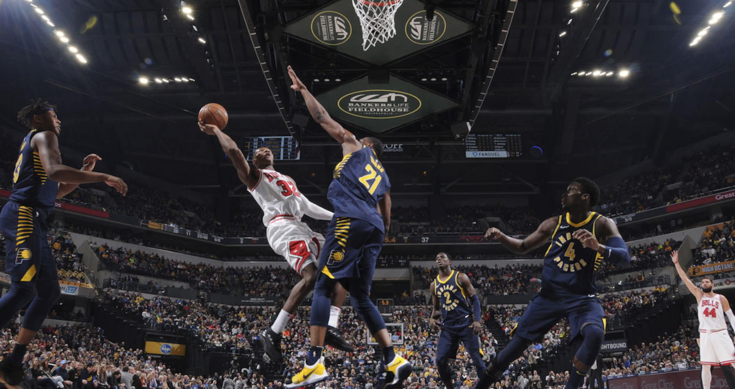 Kris Dunn #32 of the Chicago Bulls shoots the ball against the Indiana Pacers.