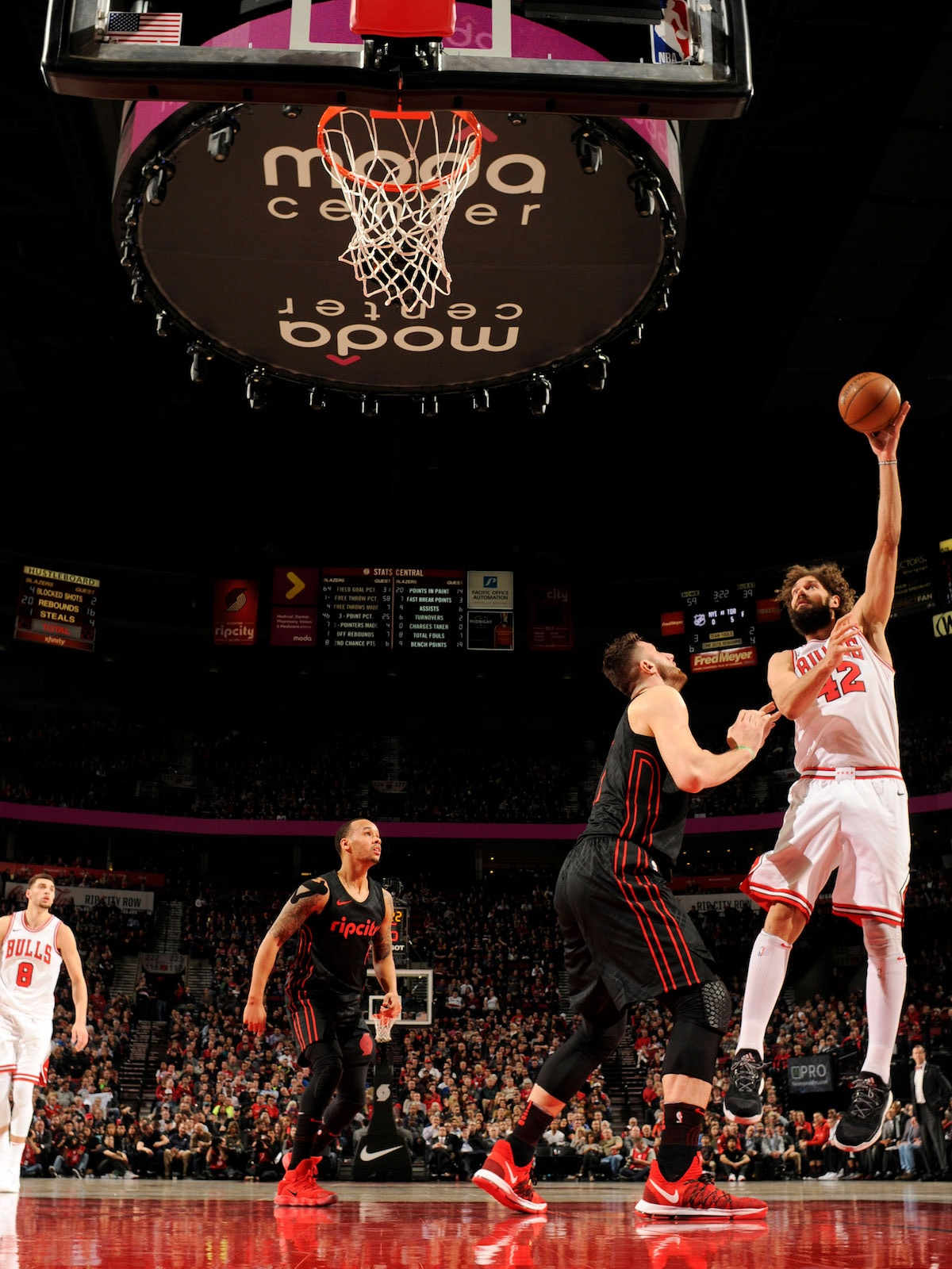 Robin Lopez #42 of the Chicago Bulls shoots the ball against the Portland Trail Blazers on January 31, 2018 at the Moda Center in Portland, Oregon.