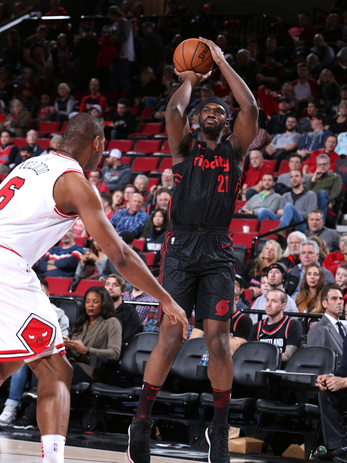 Noah Vonleh #21 of the Portland Trail Blazers shoots the ball against the Chicago Bulls on January 31, 2018 at the Moda Center in Portland, Oregon.