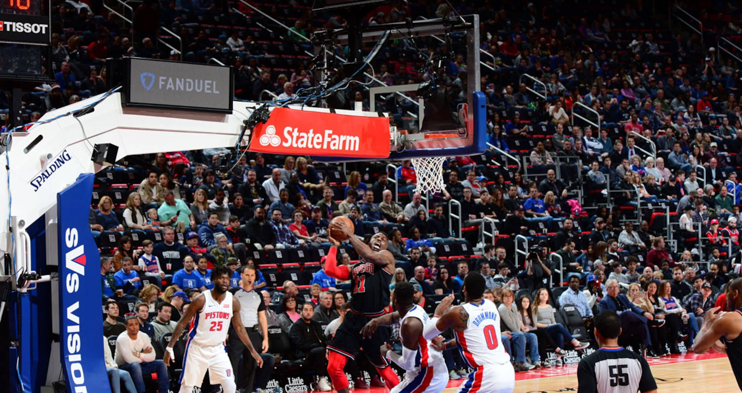 David Nwaba #11 of the Chicago Bulls drives to the basket against the Detroit Pistons on March 24, 2018 at Little Caesars Arena in Auburn Hills, Michigan.