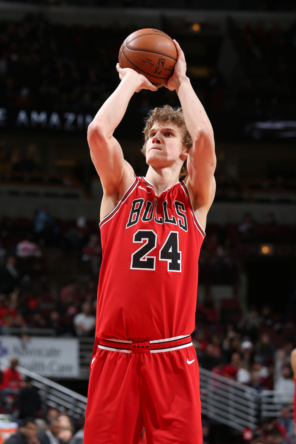 Lauri Markkanen #24 of the Chicago Bulls shoots a free throw against the Washington Wizards