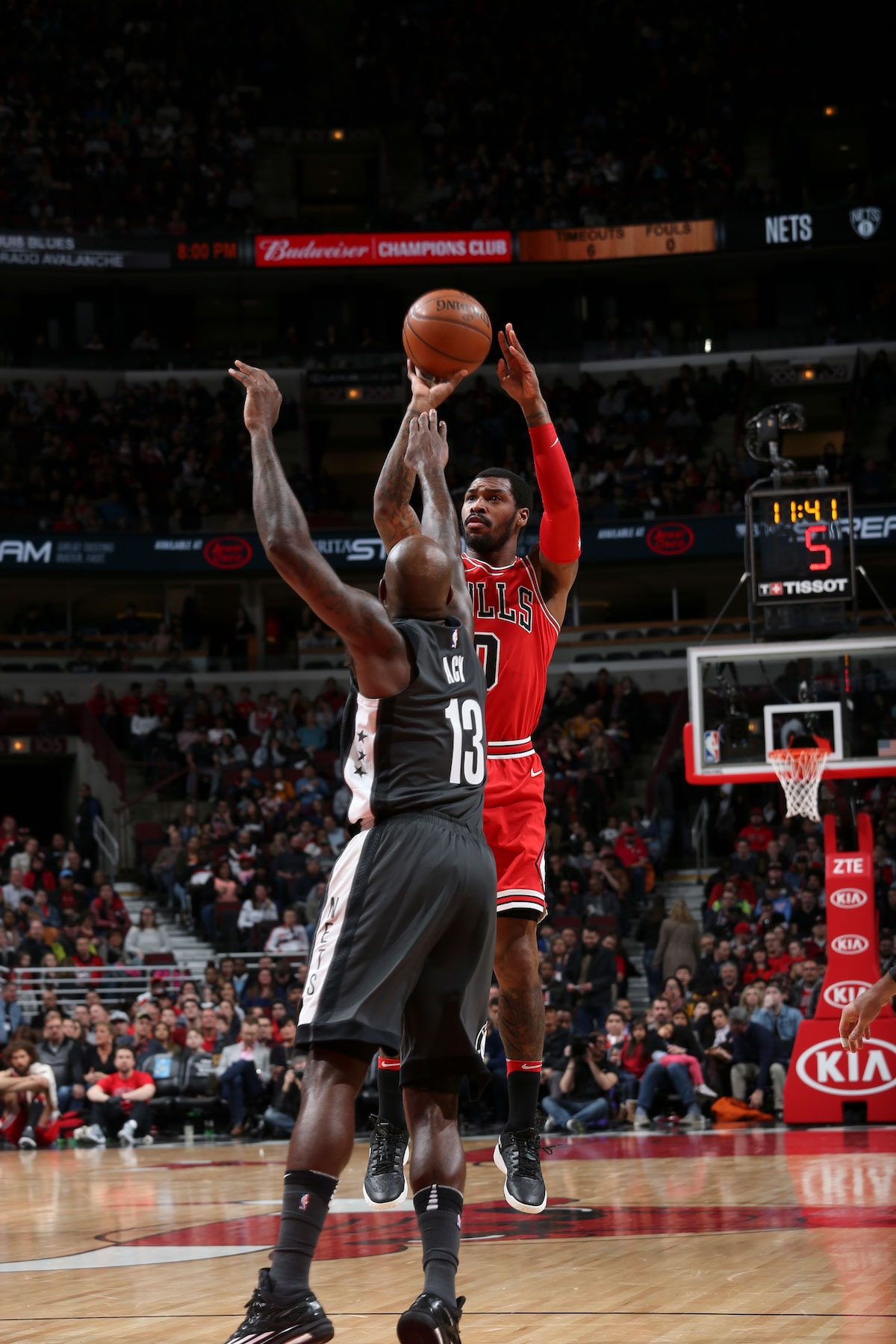 Sean Kilpatrick #0 of the Chicago Bulls shoots the ball against the Brooklyn Nets