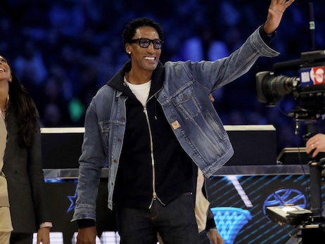 Scottie Pippen recognized as Legend of the Year by NBA Retired Players Association