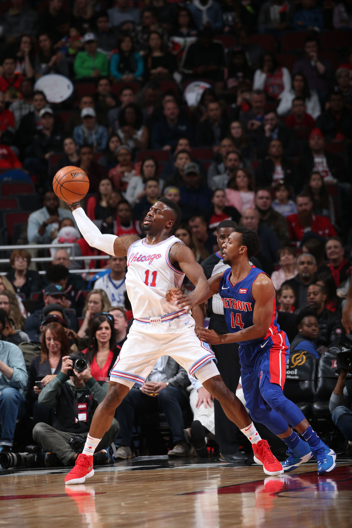 David Nwaba handles the ball in a game against the Detroit Pistons