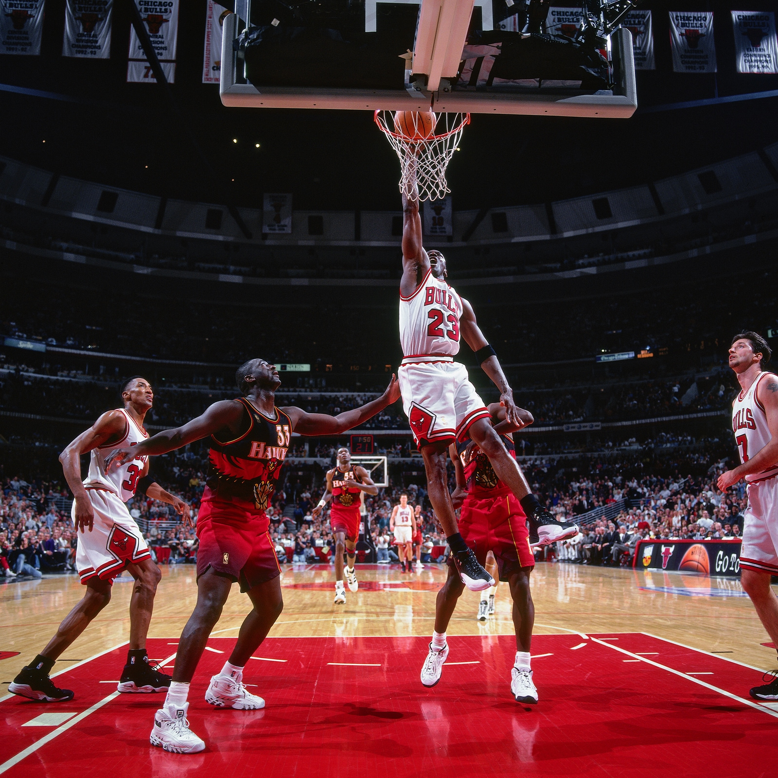 Michael Jordan #23 of the Chicago Bulls shoots the ball during the game against the Atlanta Hawks on May 6, 1997 at the United Center in Chicago, IL.