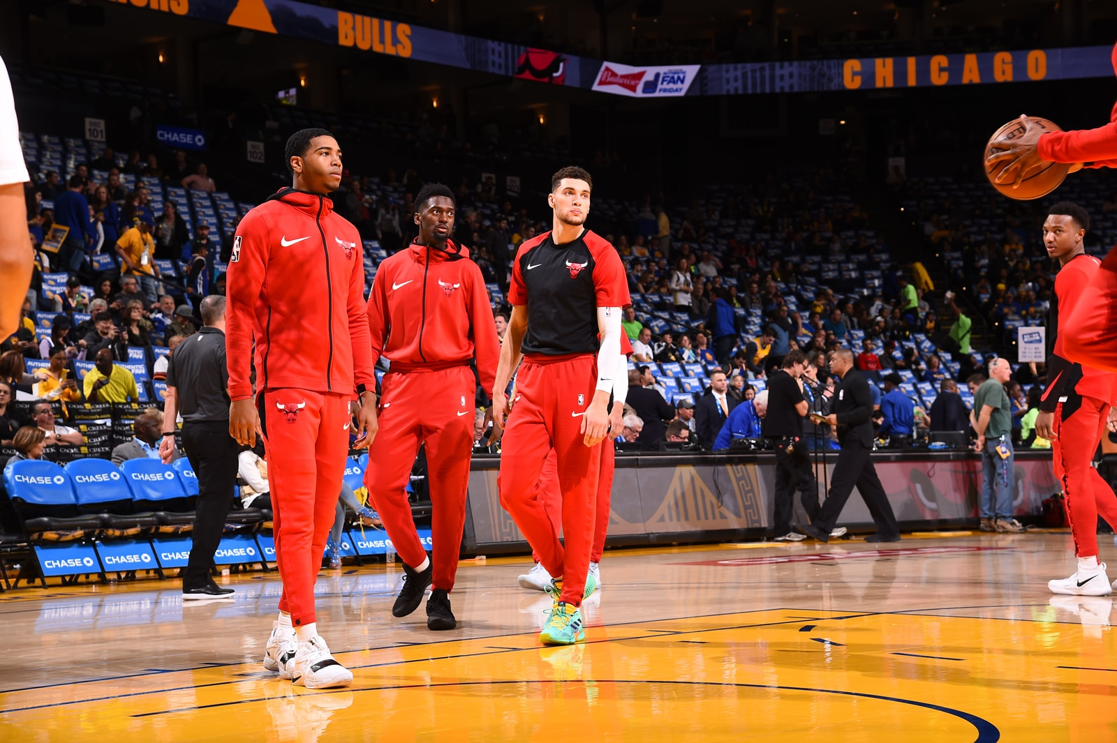 Zach LaVine, Bobby Portis and Shaquille Harrison before the game against the Golden State Warriors.