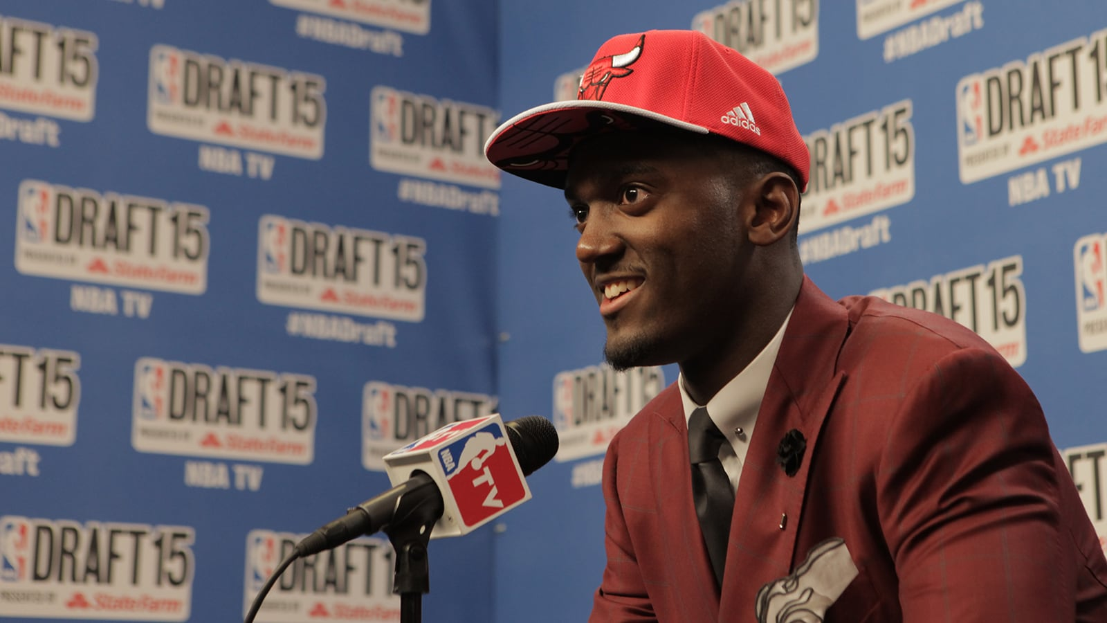 Who Should the Bulls Pick with 22