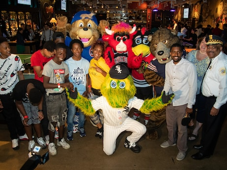 Chicago Sports Alliance Hosts Community Building Event with Choose to Change