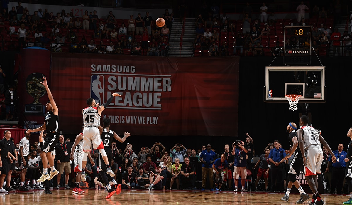 Valentine hits a buzzer beater at Summer League