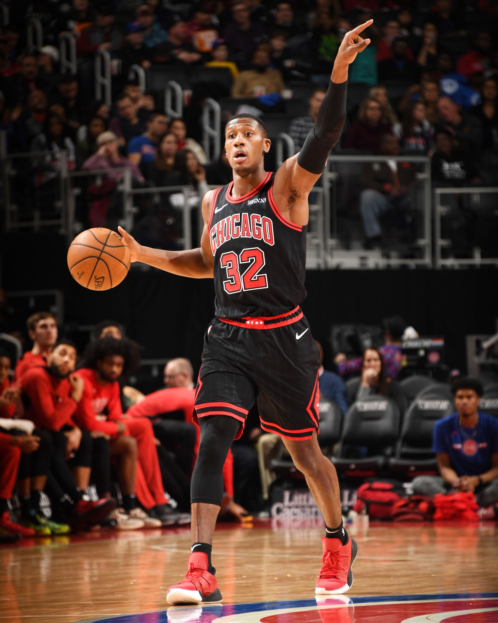 Kris Dunn directs the team against the Pistons