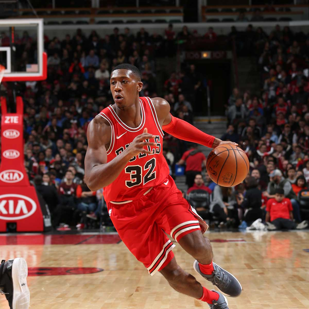 Kris Dunn #32 of the Chicago Bulls handles the ball against the Indiana Pacers on November 10, 2017 at the United Center in Chicago, Illinois.